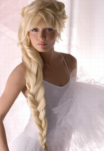 656918 15X3B6SZGGZL7OZXKTGBQUY1OR6SKU coiffure mariage cheveux long jpg H154412 L large - Νυφικά χτενίσματα για Ξανθά μαλλιά