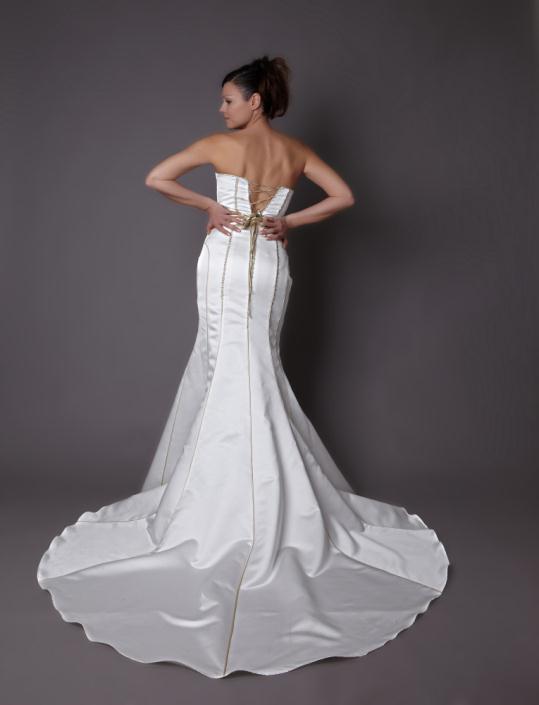 HB 04 - Haute Bridal Ονειρικά νυφικά εμπνευσμένα από τις τάσεις της μόδας!
