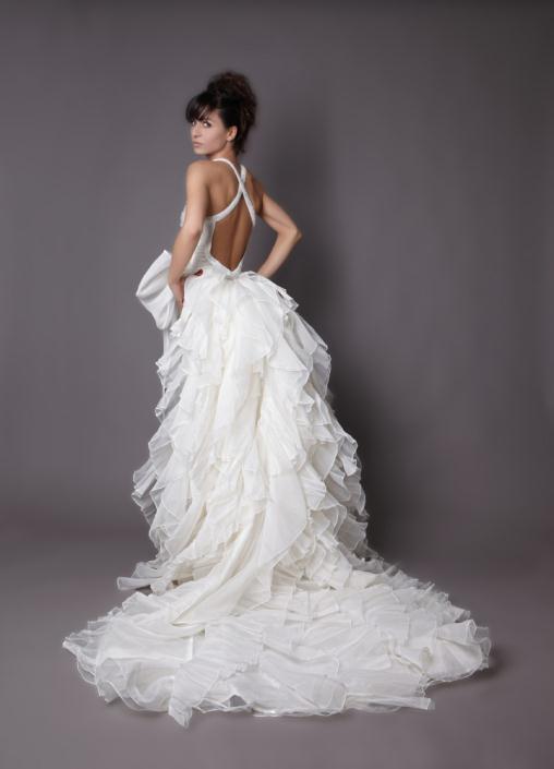 HB 05 - Haute Bridal Ονειρικά νυφικά εμπνευσμένα από τις τάσεις της μόδας!