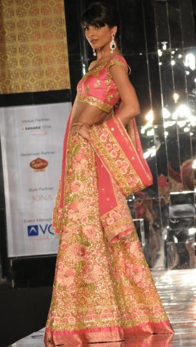 Model in Pallavi Jaikishan 4 - Ινδικά νυφικά για ξεχωριστές νύφες