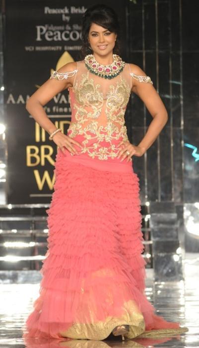 Sameera Reddy for shane falguni peacock - Ινδικά νυφικά για ξεχωριστές νύφες