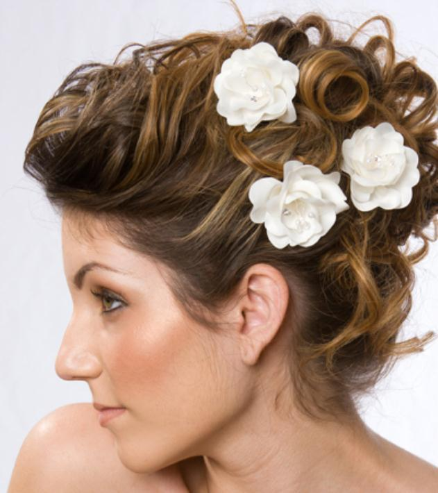 Wedding Flowers for Hair - Νυφικά χτενίσματα με λουλούδια στα μαλλιά