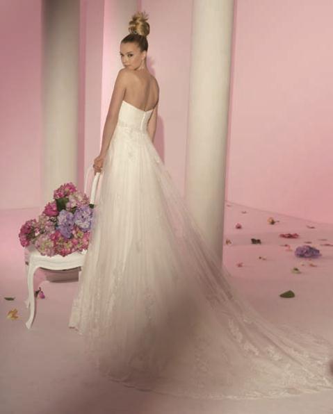 kalogeropoyloy bridal collection winter 2012 4 - Νυφικά Γιώτα Καλογεροπούλουcollection 2011