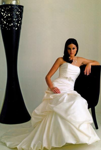 kalogeropoyloy bridal collection winter 2012 7 - Νυφικά Γιώτα Καλογεροπούλουcollection 2011