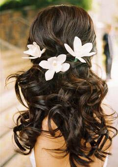 long hair wedding flowers - Νυφικά χτενίσματα με λουλούδια στα μαλλιά