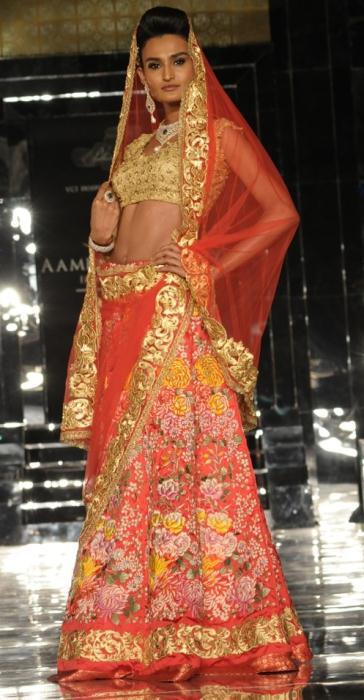 model in Pallavi Jaikishan 6 - Ινδικά νυφικά για ξεχωριστές νύφες