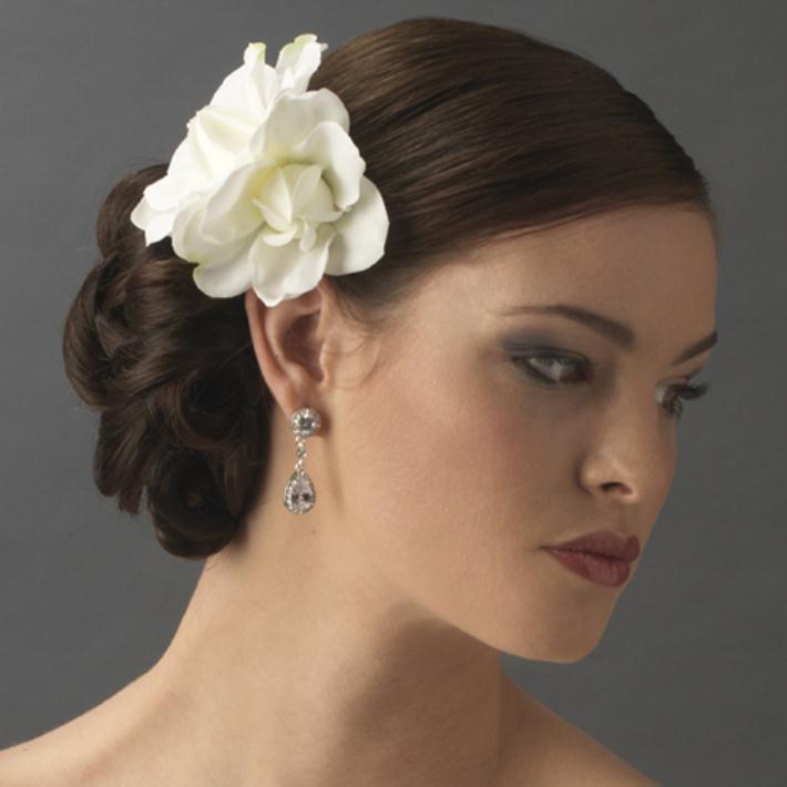 wedding hair flowers - Νυφικά χτενίσματα με λουλούδια στα μαλλιά