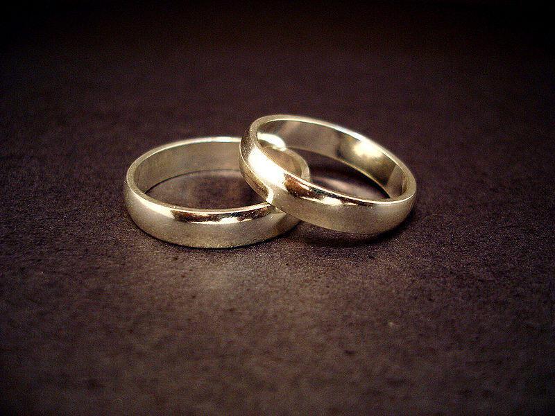 800px Wedding rings - Απαγορευμένες ημέρες τέλεσης γάμου