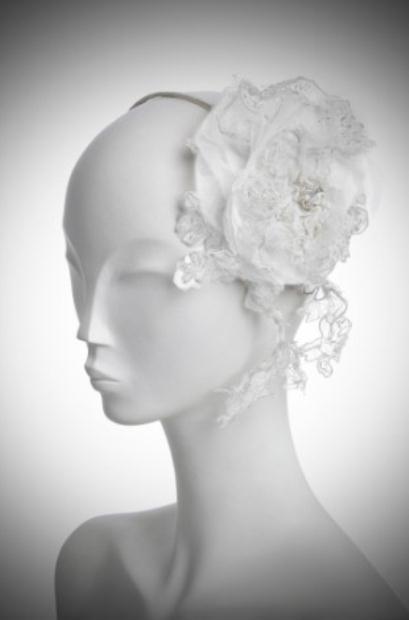 HJPA 052 DENTELLE FLOWER II ivory - Νυφικά αξεσουάρ για τα μαλλιά Jenny Packham
