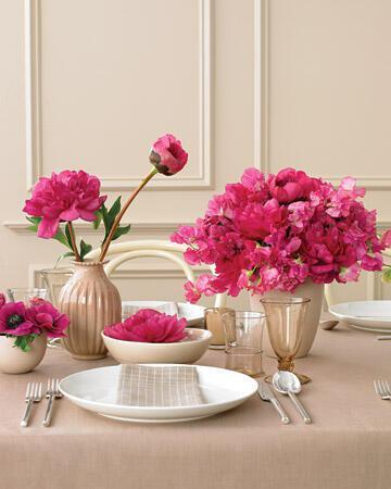 mwd103851 sum08 center fuch xl Στολισμός τραπεζιών γάμου χρώμα ροζ!