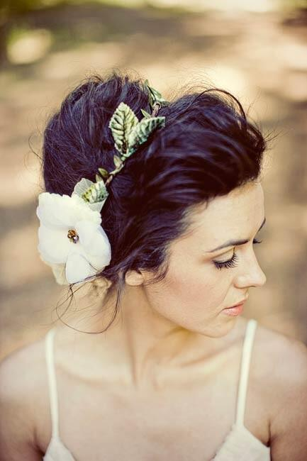 nifiko xtenisma stefani mallia 6 - Νυφικά χτενίσματα  με στεφάνι στα μαλλιά