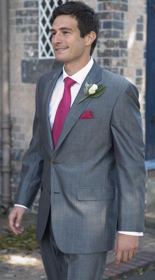 Διαλέξτε μαζί το γαμπριάτικο κοστούμι!