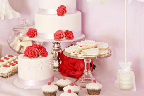 tourta gamou 1 - Γαμήλια τούρτα με προσωπικότητα
