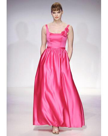 wd107284 sp12 aan 1952 xl - Βραδυνά Φορέματα 2012 για τη γαμήλια δεξίωση