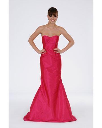 wd107284 spr12 pob 463 xl - Βραδυνά Φορέματα 2012 για τη γαμήλια δεξίωση