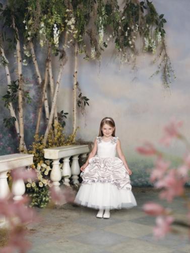 112305 0016 LR - Joan Calabrese Φορέματα για παρανυφάκια Συλλογή 2012