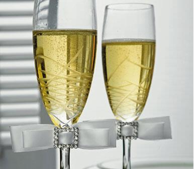 Τελετή γάμου : Πιείτε το κρασί σε ένα ιδιαίτερο ποτήρια σαμπάνιας!