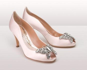 Light pink farfalla kitten BG 350x280 - Νυφικά παπούτσια  Aruna Seth Η νυφική της σειρά με πεταλούδες