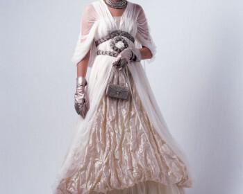 nifiko20077 350x280 - Ioanna Mitrousi 2012 Collection νυφικών απο μετάξι και ιδιαίτερα υλικά