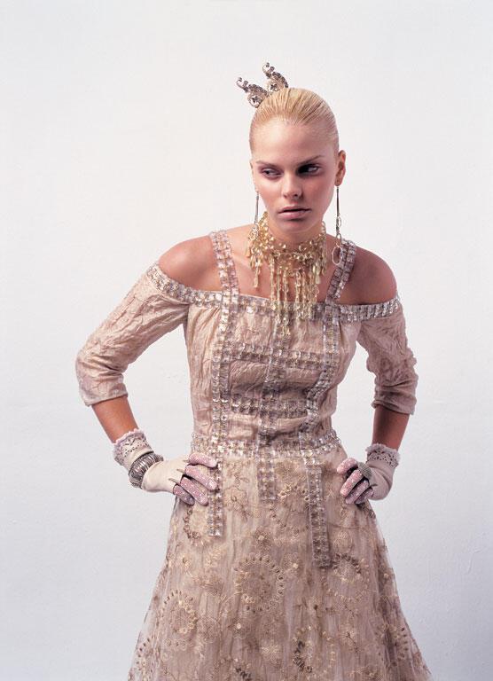 nifiko20078 - Ioanna Mitrousi 2012 Collection νυφικών απο μετάξι και ιδιαίτερα υλικά