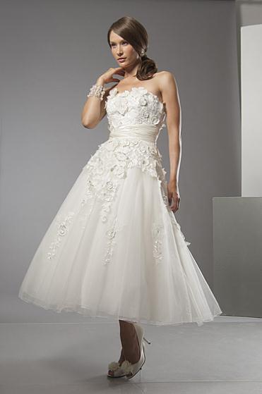 6884 fs - Νυφικά Φορεματα 2012 Alfred Sung