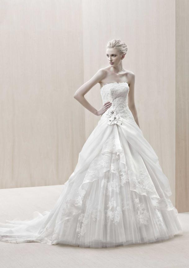 d9b0a469b571 Νυφικά Φορεματα 2012 Collection Blue by Enzoani