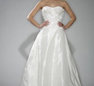Tosca spring 2010 white strapless wedding dress structured strapless bodice  detail 306x280 - Νυφικά Φορεματα 2012 Collection Gilles Montezin