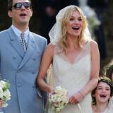 XU5058265@Kate Moss wedding 160x160 - Διάσημοι γάμοι - Νυφες του 2011
