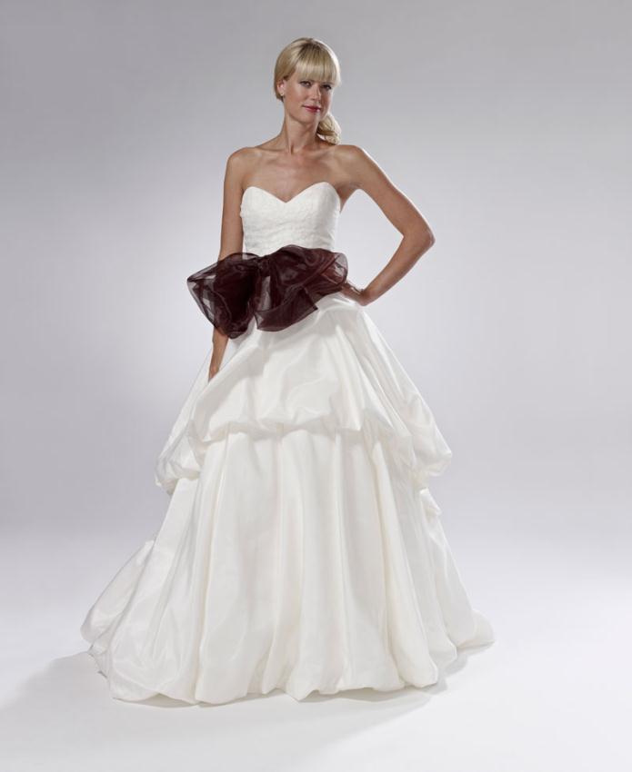 Νυφικά Φορεματα 2012 Lis Simon Συλλογή νυφικών Καλοκαίρι 2012