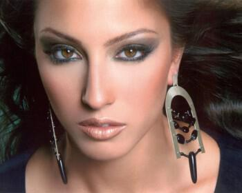 210 350x280 - Στέλλα Αφεντουλίδου επαγγελματικό νυφικό μακιγιάζ