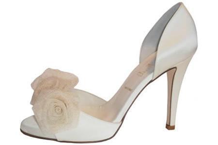 Νυφικά παπούτσια 2012 Something Bleu …για κάθε στυλ !