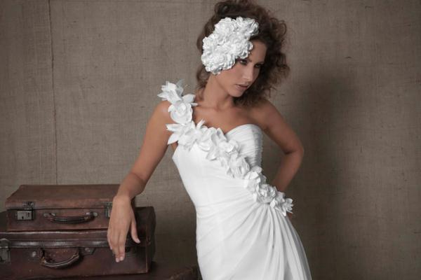 Νυφικά Φορεματα 2012 Amanda Wyatt