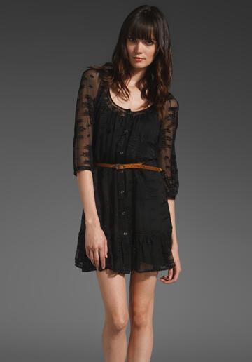 Καλεσμένη σε γάμο 2012: Το μαύρο φόρεμα είναι πάντα trend!