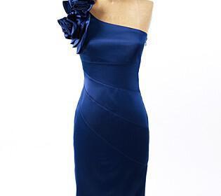X214812C420 315x280 - Μοντέρνα φορέματα για την κουμπάρα από τη Jessica Simpson