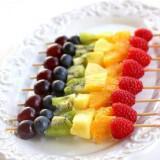 dessert bar ideas fruit 160x160 - Καλοκαιρινός γάμος Δεξίωση DIY: Πώς να διαμορφώσετε έναν οικονομικό μπουφέ μόνες σας!