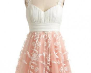 f9581ba3c0b45fe9f0f6ba52d0dc3d9f 350x280 - Καλεσμένη σε γάμο : Φορέματα με flower prints 2012