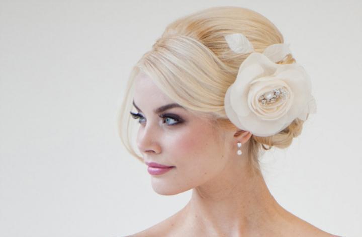 Τα απόλυτα αξεσουάρ για ρομαντικές νύφες 2012