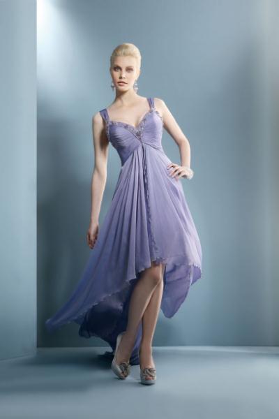 e156f9849c7d Για την άνοιξη καλοκαίρι 2012 το label Demetrios λανσάρει μια συλλογή από βραδινά  φορέματα απαράμιλλης αισθητικής με φίνα υφάσματα και κολακευτικές γραμμές.