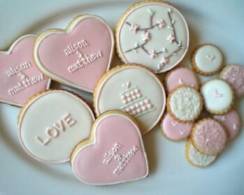 mpiskota gia gamo baftisi 6 350x280 - DIY Μπισκότα για τους καλεσμένους σας!