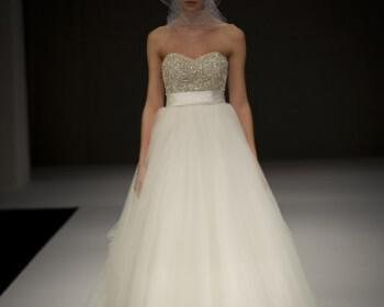 phoca thumb l badgley mischka bridal ss12 28 350x280 - Νυφικά Φορεματα Badgley Mischka Collection Ανοιξη Καλοκαίρι 2012