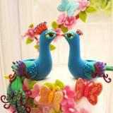 bright peacock wedding cake toppers gamilia tourta 160x160 - Τα πιο όμορφα toppers για γαμήλιες τούρτες