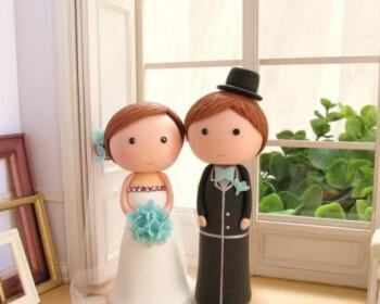 cute bride groom wedding cake topper gamilia tourta 350x280 - Τα πιο όμορφα toppers για γαμήλιες τούρτες