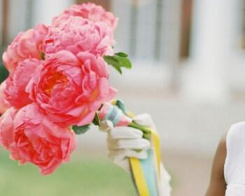 bright pink peony wedding flowers bridal bouquet  full 350x280 - Τα λουλούδια στο γάμο: Παιώνιες & Νεραγκούλες