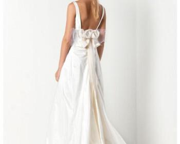 Max Mara bridal collection 13 350x280 - Max Mara Νυφική Συλλογή Καλοκαίρι 2012