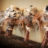 feather brooch wedding bouquets  full carousel 160x160 - Φτερά και Πούπουλα…δώστε στο γάμο σας άλλο «αέρα»!