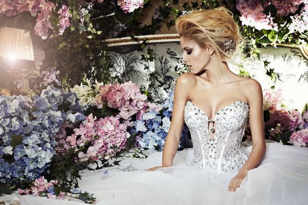 nifika sposa moda luxury 2013 1 - Νυφικά 2013 Sposa Moda collection Luxury
