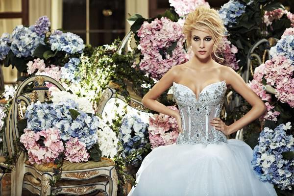nifika sposa moda luxury 2013 2 - Νυφικά 2013 Sposa Moda collection Luxury