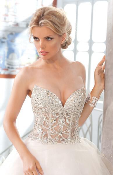 nifika sposa moda luxury 2013 6 - Νυφικά 2013 Sposa Moda collection Luxury