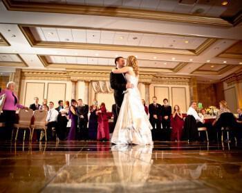 jaymoorephotographyfirstdance 350x280 - Τραγούδια γάμου : μπαλάντες για τον πρώτο χορό