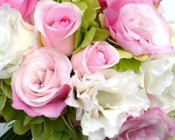 roz nifiki anthodesmi 13 349x280 - Νυφική ανθοδέσμη σε ροζ χρώμα